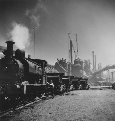 (Port Kembla, steam train)