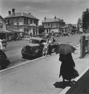 (Kiama, outside post office, post master general's truck)